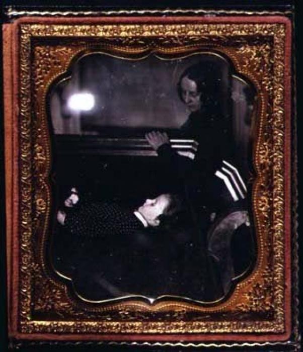 portrete-post-mortem-o-moda-de-mult-timp-stinsa-04