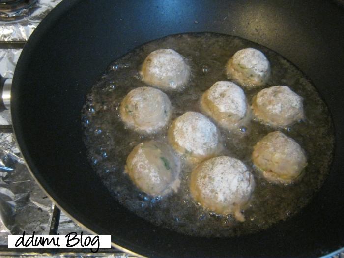 chiftele-cu-sos-de-rosii-03